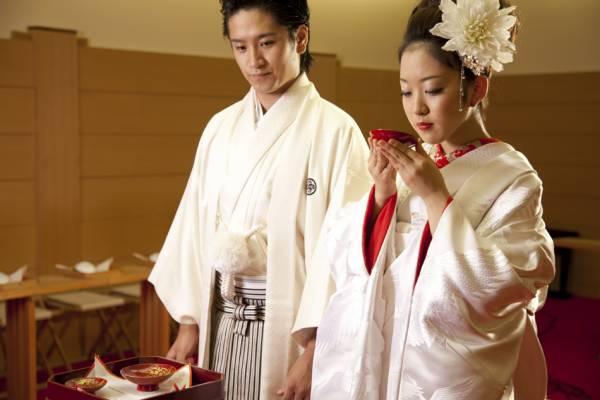 【和婚】神前挙式のみOK!紋服・打掛+和装着付+写真付き【231,000万円】