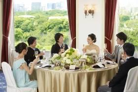 【年内挙式もまだ間に合う】家族だけの結婚式&会食【6名様291,500円】
